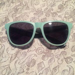 VS PINK sunglasses 🌊